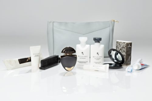 emirates_first_class_ladies_amenity_kit_2